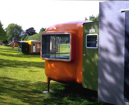 Installation view 1997. Cast Mobiel 1996 and Mobile Home for Kröller Müller 1995 © Atelier Van Lieshout